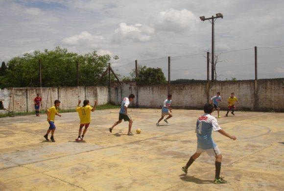 Projetos sociais realizam torneio de futebol em Mafra