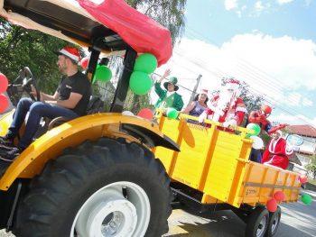 circo-social-no-desfile-natalino-de-rio-negro-10