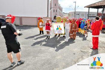 circo-social-no-desfile-natalino-de-rio-negro-13
