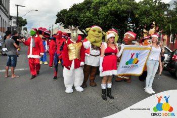 circo-social-no-desfile-natalino-de-rio-negro-14