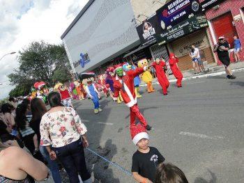 circo-social-no-desfile-natalino-de-rio-negro-15