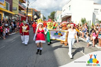 circo-social-no-desfile-natalino-de-rio-negro-25