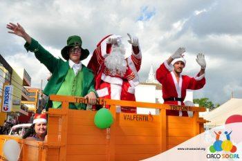 circo-social-no-desfile-natalino-de-rio-negro-35