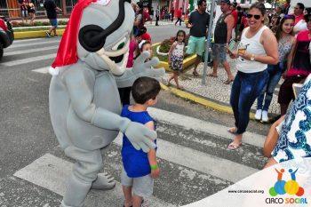 circo-social-no-desfile-natalino-de-rio-negro-44