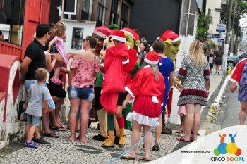 circo-social-no-desfile-natalino-de-rio-negro-46