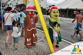 circo-social-no-desfile-natalino-de-rio-negro-52