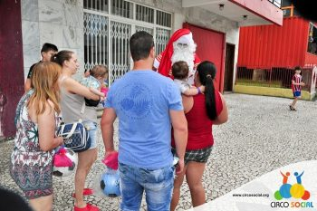 circo-social-no-desfile-natalino-de-rio-negro-55