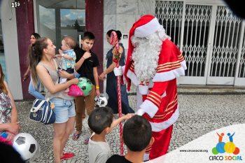 circo-social-no-desfile-natalino-de-rio-negro-56