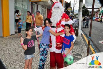 circo-social-no-desfile-natalino-de-rio-negro-60