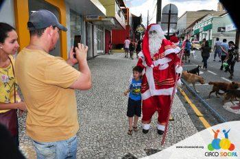 circo-social-no-desfile-natalino-de-rio-negro-62