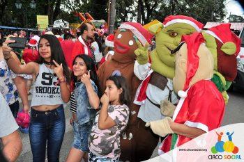 circo-social-no-desfile-natalino-de-rio-negro-66