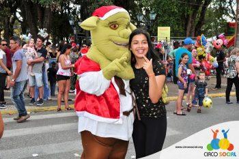 circo-social-no-desfile-natalino-de-rio-negro-67