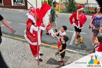 circo-social-no-desfile-natalino-de-rio-negro-68