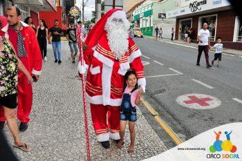 circo-social-no-desfile-natalino-de-rio-negro-70