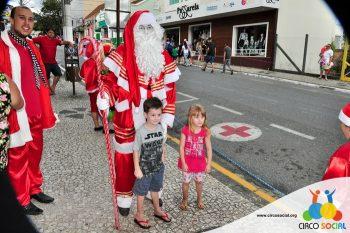 circo-social-no-desfile-natalino-de-rio-negro-75
