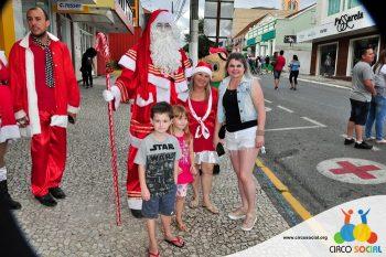 circo-social-no-desfile-natalino-de-rio-negro-76