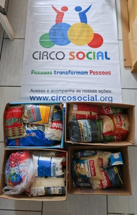 circo-social-realiza-entrega-de-alimentos