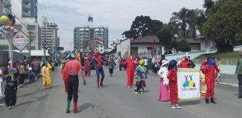 circo-social-participa-do-desfile-de-7-de-setembro-2019-em-mafra-17