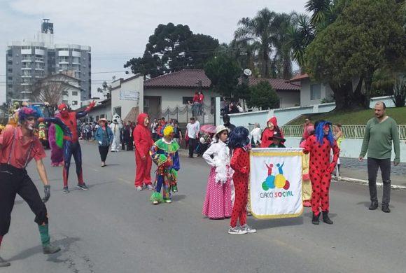 Circo Social participa do desfile de 7 de Setembro 2019 em Mafra