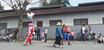circo-social-participa-do-desfile-de-7-de-setembro-2019-em-mafra-49