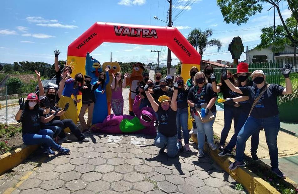 circo-social-participa-do-drive-thru-realizado-pelo-comecinho-de-vida-1