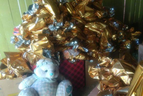 """""""Fábrica de presentes"""" do Papai Noel está a todo vapor no Circo Social"""