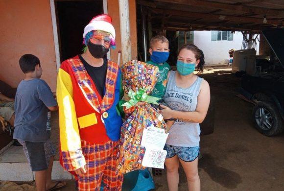 Campanha Natal Encantado do Circo Social atende 19 comunidades de Riomafra