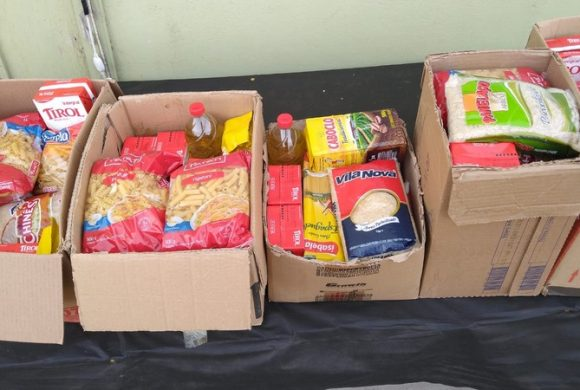 Circo Social distribui cestas básicas para famílias carentes de Riomafra
